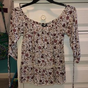 WOMEN MEDIUM FLORAL BLOUSE FROM AMERICAN EAGLE